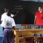 Teacher William bereitet die Matheaufgabe vor